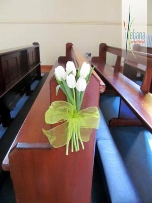 Banca con tulipanes